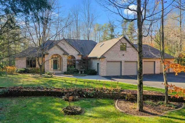 5943 Timber Haven Drive, Little Suamico, WI 54141 (#50231769) :: Ben Bartolazzi Real Estate Inc