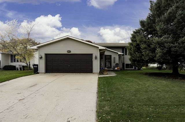 1228 Wheatfield Way, Oshkosh, WI 54904 (#50231795) :: Todd Wiese Homeselling System, Inc.