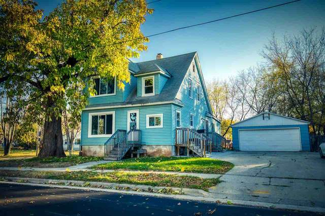 327 Center Street, Neenah, WI 54956 (#50231799) :: Todd Wiese Homeselling System, Inc.