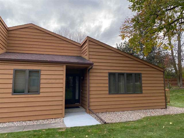 909 E Windfield Place A, Appleton, WI 54911 (#50231801) :: Todd Wiese Homeselling System, Inc.