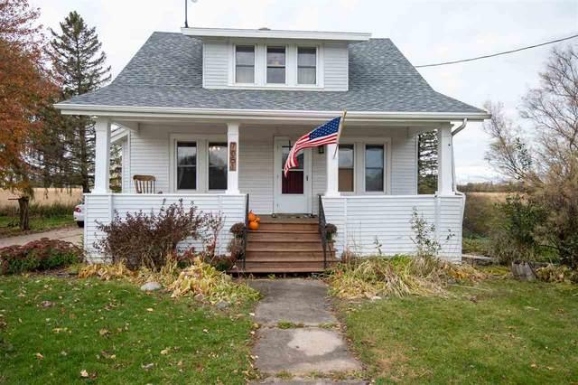 7051 Hwy R, Oshkosh, WI 54902 (#50231838) :: Ben Bartolazzi Real Estate Inc