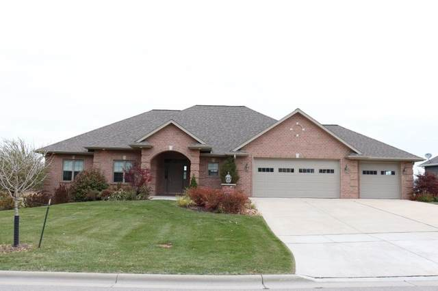 2754 Creekwood Circle, Green Bay, WI 54311 (#50231940) :: Ben Bartolazzi Real Estate Inc