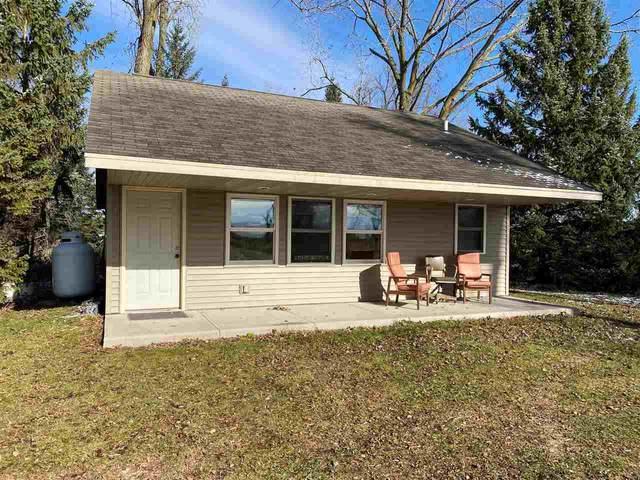 N4306 Hwy M, New London, WI 54961 (#50232034) :: Ben Bartolazzi Real Estate Inc