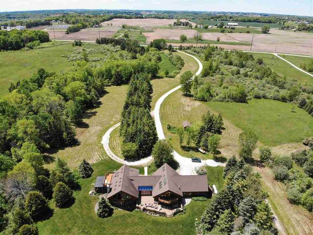 N4250 Lakeshore Drive, Kewaunee, WI 54216 (#50232087) :: Dallaire Realty
