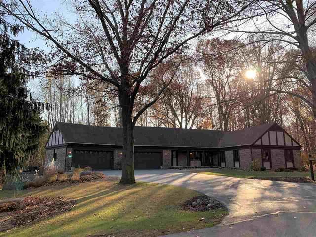 899 Pine Hill Drive, Hobart, WI 54155 (#50232117) :: Ben Bartolazzi Real Estate Inc