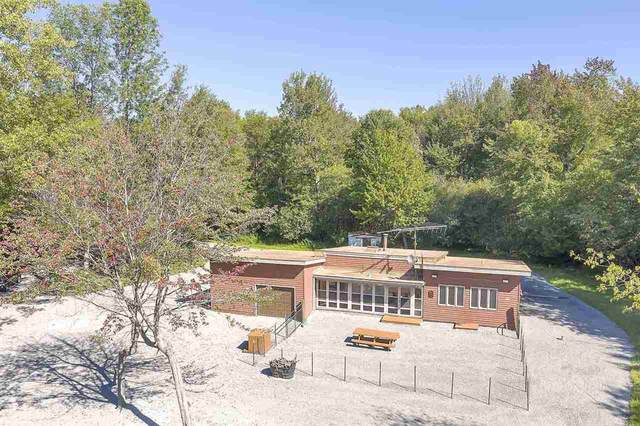 2329 Pecor Point Lane, Oconto, WI 54153 (#50232125) :: Todd Wiese Homeselling System, Inc.