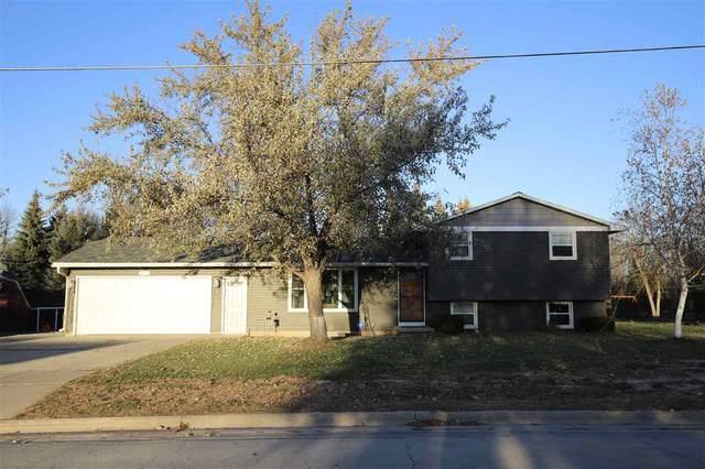 3053 Manitowoc Road, Green Bay, WI 54311 (#50232194) :: Ben Bartolazzi Real Estate Inc