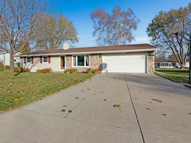 561 Superior Road, Green Bay, WI 54311 (#50232195) :: Ben Bartolazzi Real Estate Inc