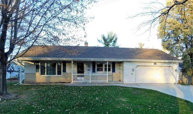 1572 Glen Road, Green Bay, WI 54313 (#50232240) :: Ben Bartolazzi Real Estate Inc