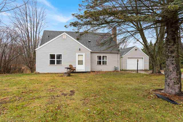 N8229 Hwy M, Algoma, WI 54201 (#50232328) :: Town & Country Real Estate