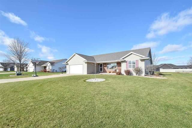 1990 Sandy Springs Drive, De Pere, WI 54115 (#50232406) :: Ben Bartolazzi Real Estate Inc