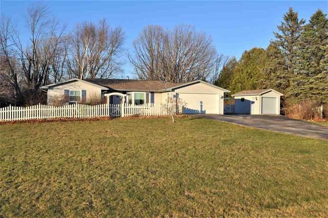 3711 Park Road, Greenleaf, WI 54126 (#50232448) :: Ben Bartolazzi Real Estate Inc