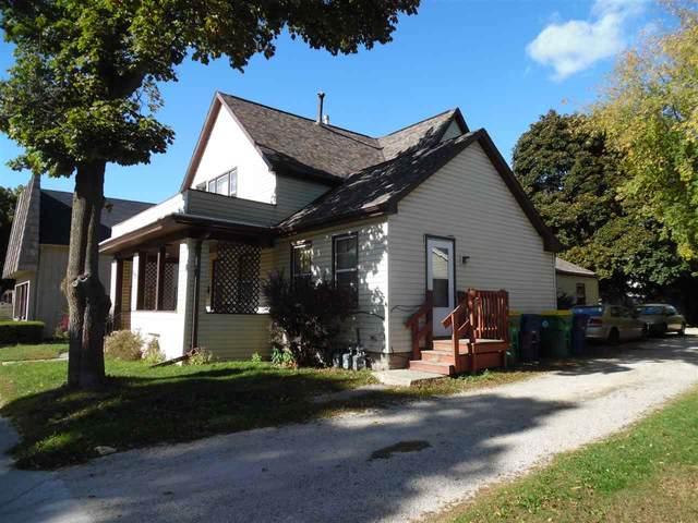 1237 E Walnut Street, Green Bay, WI 54301 (#50232500) :: Dallaire Realty
