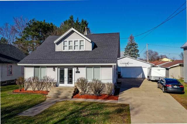 312 E Wisconsin Street, Weyauwega, WI 54983 (#50232508) :: Ben Bartolazzi Real Estate Inc