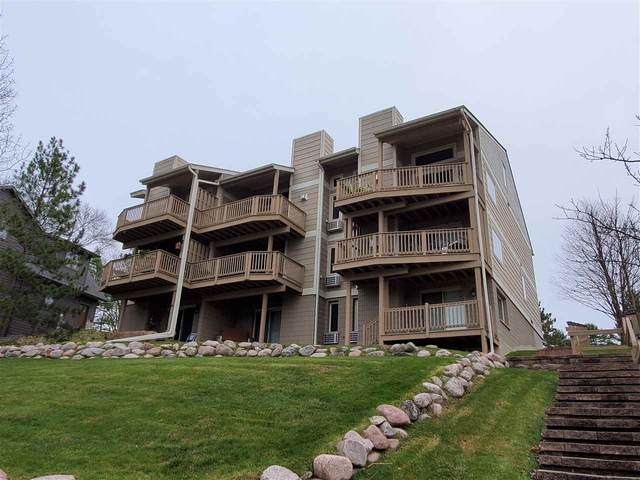 E1204 County Park Lane #5, Waupaca, WI 54981 (#50232517) :: Todd Wiese Homeselling System, Inc.