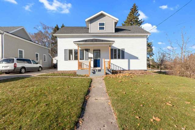 305 3RD Street, Kewaunee, WI 54216 (#50232533) :: Town & Country Real Estate