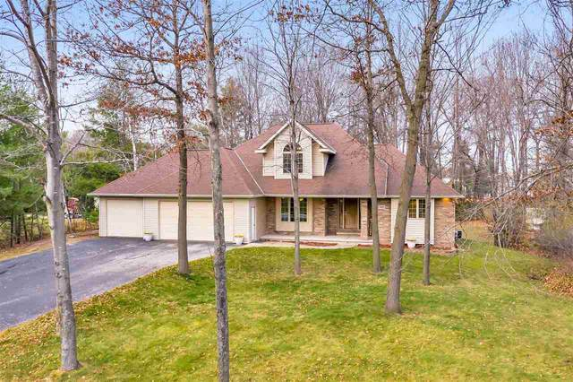1443 Woodsdale Avenue, Suamico, WI 54173 (#50232544) :: Town & Country Real Estate
