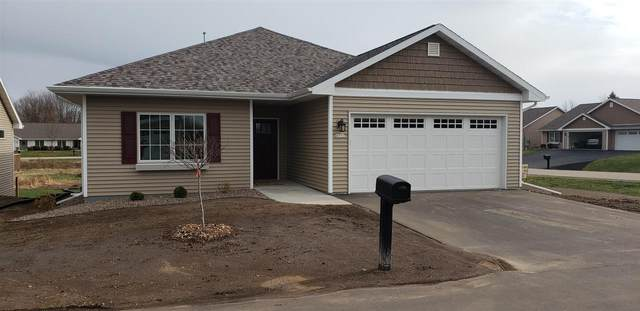 4372 Autumn Hills Drive, Oshkosh, WI 54904 (#50232655) :: Dallaire Realty