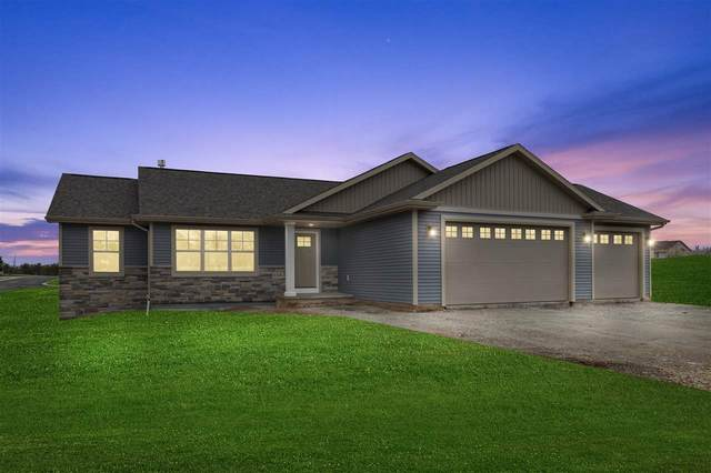 N1697 Waterlefe Drive, Greenville, WI 54942 (#50232667) :: Dallaire Realty