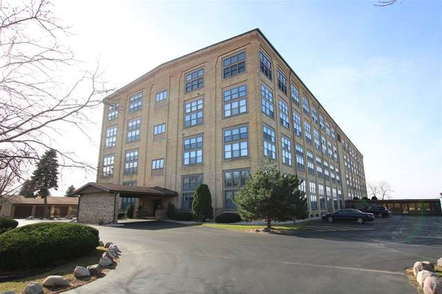 1545 Arboretum Drive #205, Oshkosh, WI 54901 (#50232782) :: Ben Bartolazzi Real Estate Inc