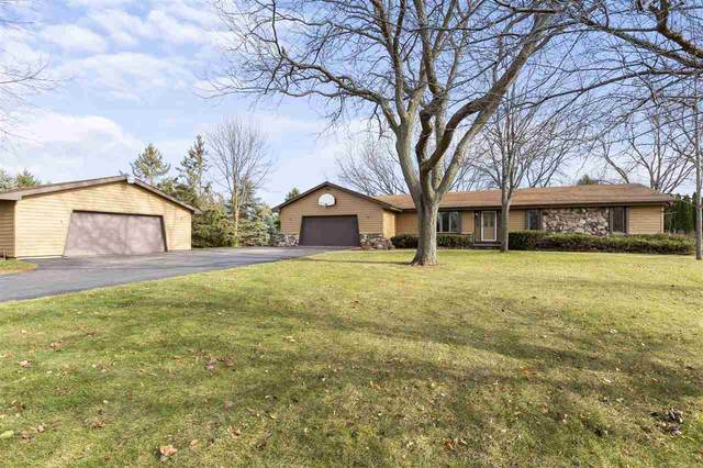 1751 W Paynes Point Road, Neenah, WI 54956 (#50232797) :: Ben Bartolazzi Real Estate Inc