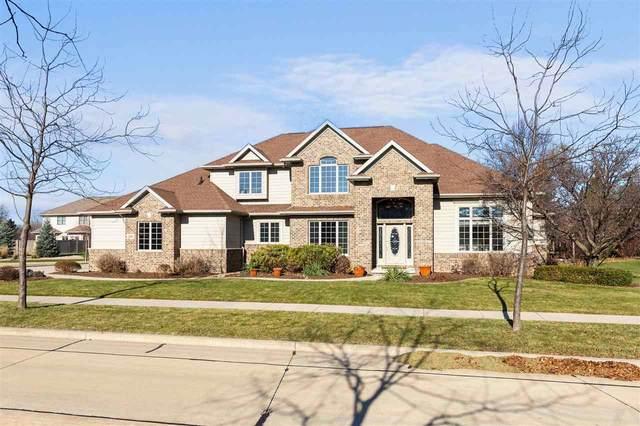 208 E Benton Drive, Appleton, WI 54913 (#50232855) :: Ben Bartolazzi Real Estate Inc