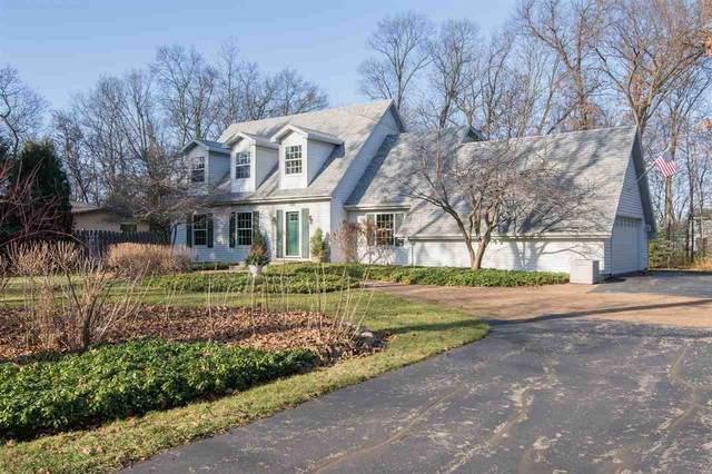 2946 Manor Drive, Oshkosh, WI 54904 (#50232866) :: Town & Country Real Estate