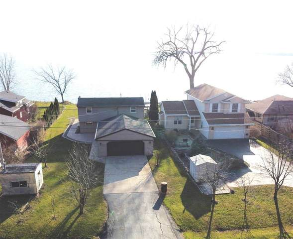 4944 Island View Drive, Oshkosh, WI 54901 (#50232901) :: Town & Country Real Estate