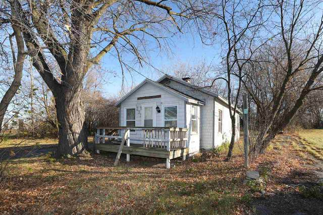 237 Gruenwald Avenue, Neenah, WI 54956 (#50232905) :: Town & Country Real Estate