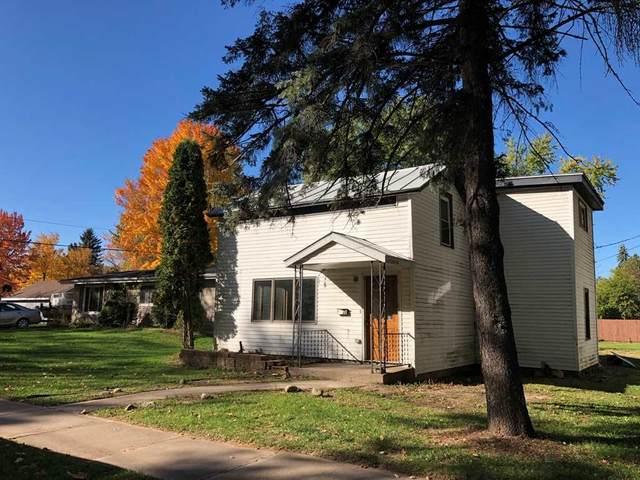 413 Scott Street, Waupaca, WI 54981 (#50232942) :: Symes Realty, LLC