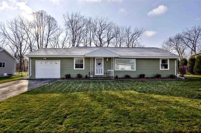 3290 Old Orchard Lane, Oshkosh, WI 54902 (#50233039) :: Carolyn Stark Real Estate Team