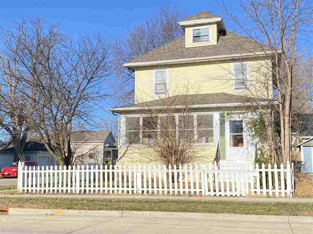 702 Ceape Avenue, Oshkosh, WI 54901 (#50233047) :: Carolyn Stark Real Estate Team