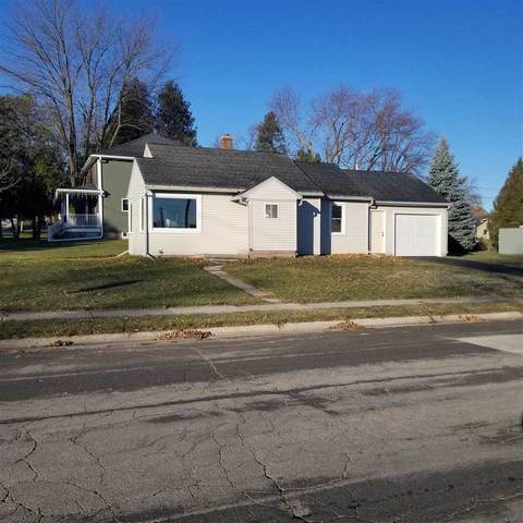 2201 Van Buren Street, New Holstein, WI 53061 (#50233064) :: Todd Wiese Homeselling System, Inc.