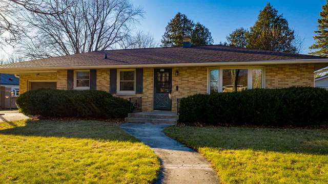 1801 Calumet Drive, New Holstein, WI 53061 (#50233077) :: Todd Wiese Homeselling System, Inc.