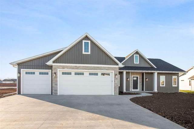 N9367 Varsity Lane, Appleton, WI 54952 (#50233078) :: Todd Wiese Homeselling System, Inc.