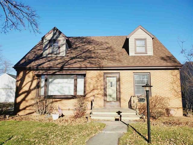 722 Kuborn Avenue, Kimberly, WI 54136 (#50233086) :: Todd Wiese Homeselling System, Inc.