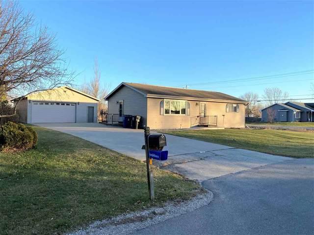 732 Mckinley Street, Omro, WI 54963 (#50233105) :: Carolyn Stark Real Estate Team
