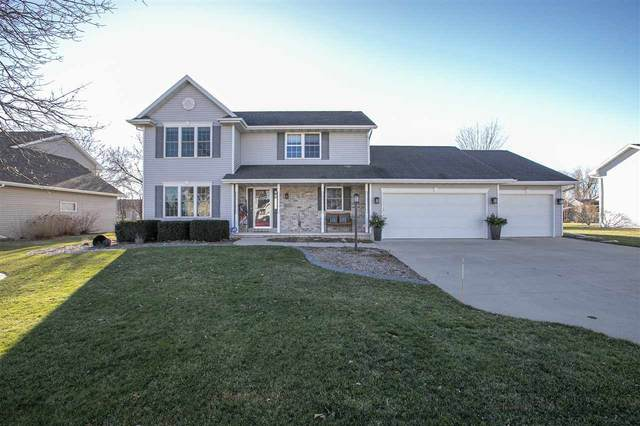 W5851 Sweet Clover Drive, Appleton, WI 54915 (#50233107) :: Ben Bartolazzi Real Estate Inc