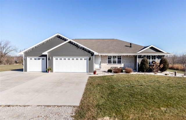 472 Falcon Circle, Pulaski, WI 54162 (#50233132) :: Ben Bartolazzi Real Estate Inc