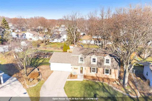 733 E Briar Lane, Green Bay, WI 54301 (#50233155) :: Town & Country Real Estate