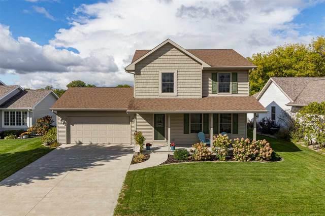 1005 John Moore Drive, Oshkosh, WI 54904 (#50233180) :: Town & Country Real Estate