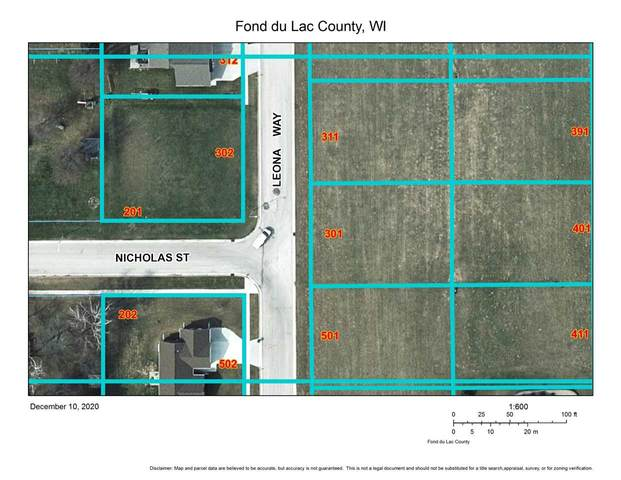 301 Leona Way, Oakfield, WI 53065 (#50233364) :: Todd Wiese Homeselling System, Inc.