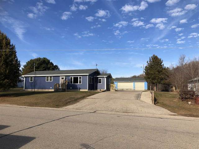 5565 Downtown Lane, Gillett, WI 54124 (#50233383) :: Dallaire Realty