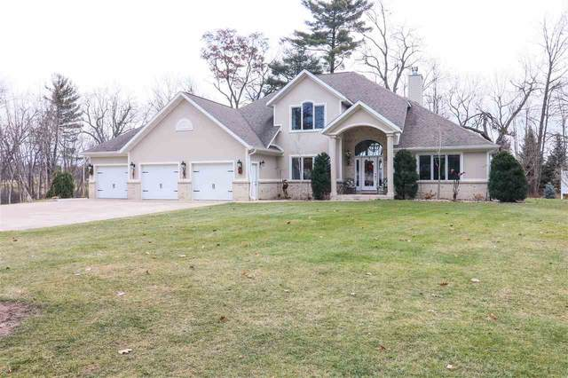 N2974 Otter Drive, Waupaca, WI 54981 (#50233400) :: Town & Country Real Estate