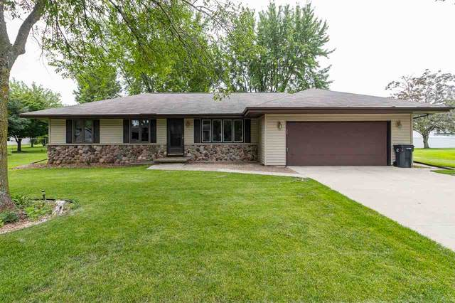 331 Bentwood Drive, Brillion, WI 54110 (#50233462) :: Dallaire Realty