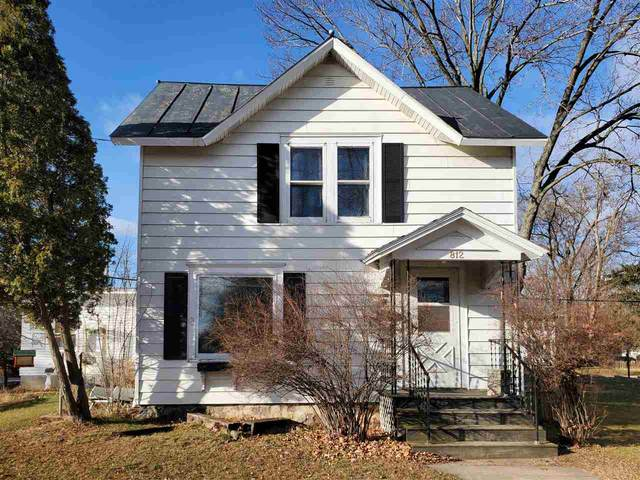 812 S Main Street, Waupaca, WI 54981 (#50233482) :: Todd Wiese Homeselling System, Inc.