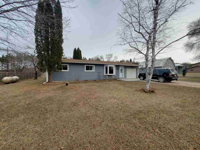 N3684 Hwy Q, Waupaca, WI 54981 (#50233543) :: Town & Country Real Estate