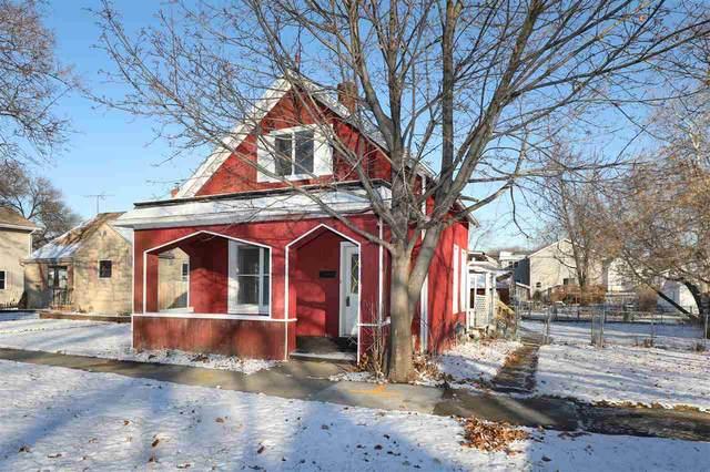 214 W 9TH Street, Kaukauna, WI 54130 (#50233545) :: Todd Wiese Homeselling System, Inc.