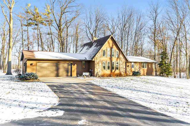 2878 Craanen Road, Green Bay, WI 54229 (#50233570) :: Todd Wiese Homeselling System, Inc.