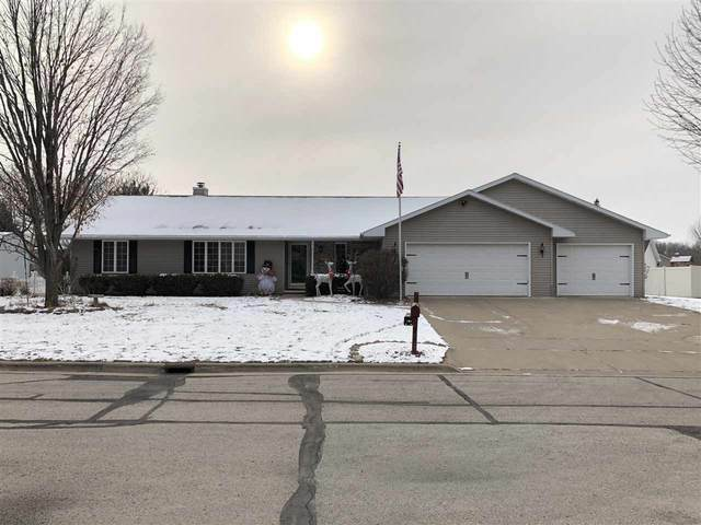 2530 Wilder Court, Green Bay, WI 54311 (#50233639) :: Todd Wiese Homeselling System, Inc.